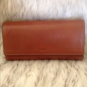 women brown leather fossil large wallet clean